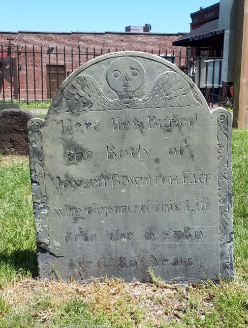 Joseph Bowditch stone, 1780. Note the slightly different wing style. Photo by author, 2017.