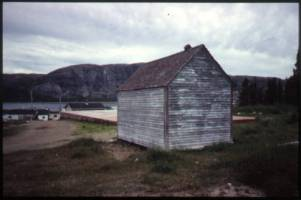 Dead_House__from_North_East_Nain_Labrador