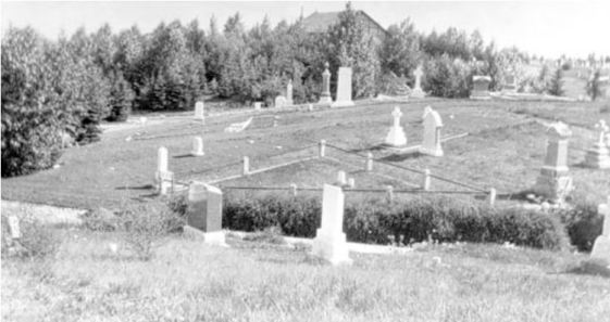 1934_Glenbow_Na-4099-2_mortuary and chapel in the background
